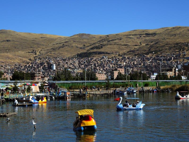 Download Transport dans Puno, Pérou photographie éditorial. Image du destination - 77159692