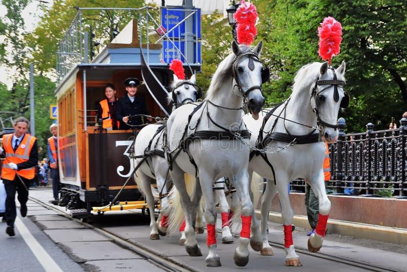 Transport Day-2019 de Moscou Les tramways défilent Chariot de chevaux image libre de droits