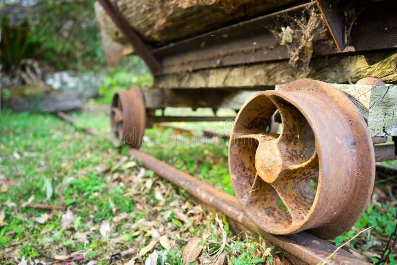 Transport de bois de charpente de scierie photos libres de droits