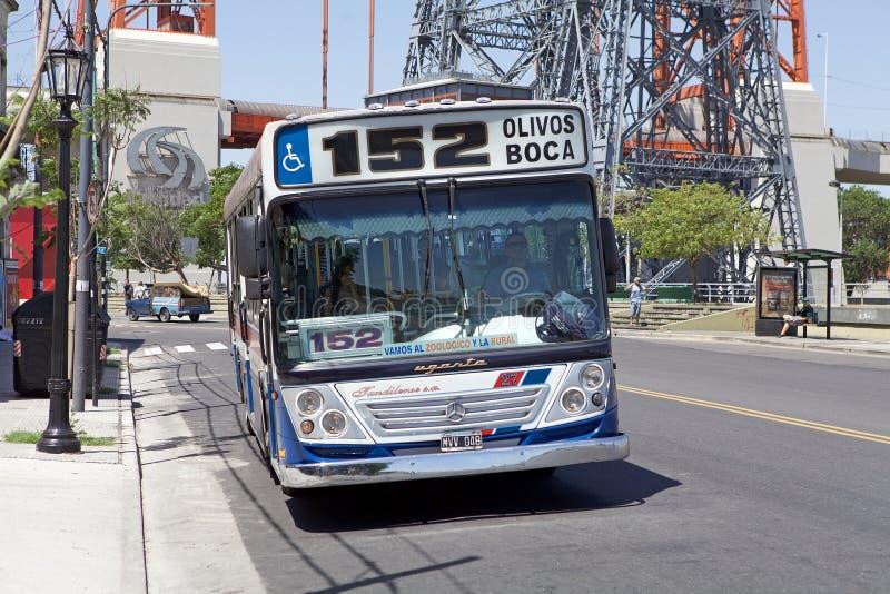 Transport en commun à la La Boca, Buenos Aires, Argentine images stock