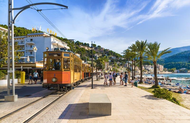 Transport en commun dans le port Soller, Majorque photographie stock libre de droits