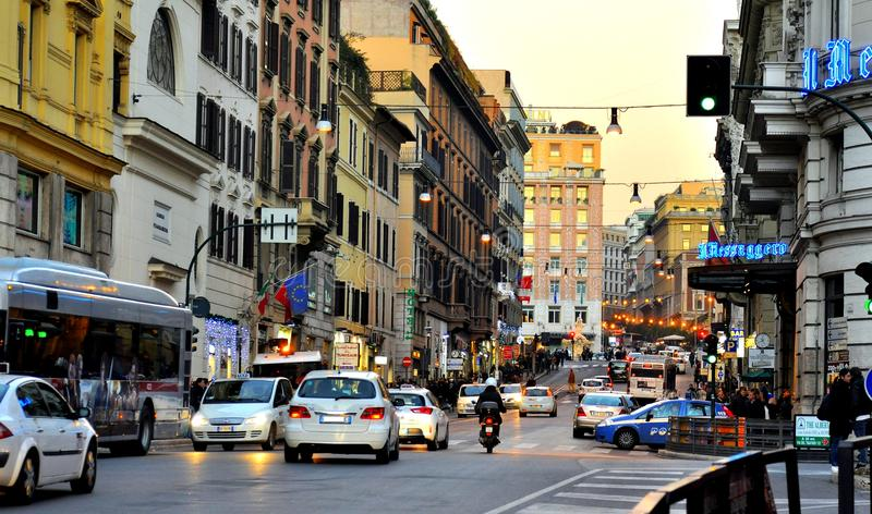 Transport en commun sur les rues de Rome photo libre de droits
