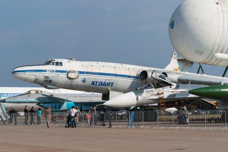 Transport Myasishchev VM-T Atlant mit Energia-Buranraum shutt lizenzfreie stockfotos