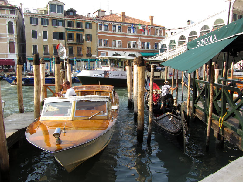 Transport sur Grand Canal photo stock