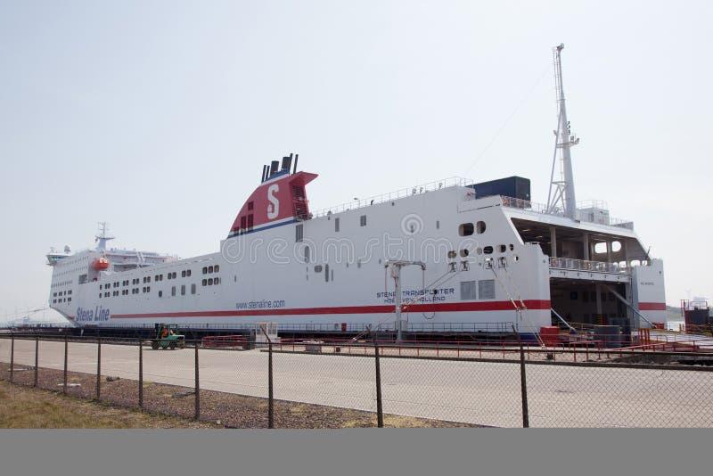 Transportador de Stena en el puerto de la furgoneta Holanda del hoek foto de archivo libre de regalías