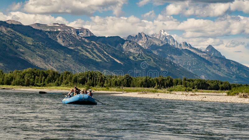 Transportando o rio Snake em Jackson Hole, Wyoming imagem de stock royalty free