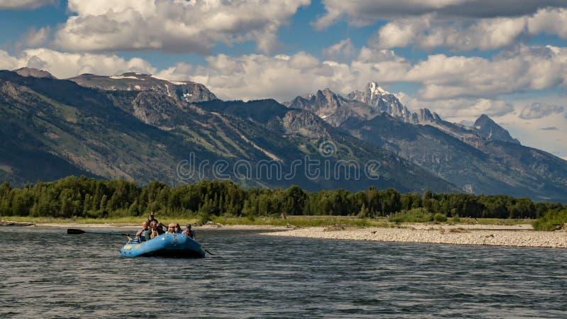 Transportando o rio Snake em Wyoming foto de stock