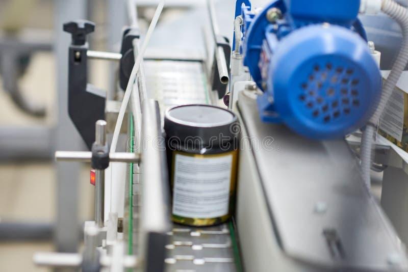 Transportbandlijn van Farmaceutische Fabriek royalty-vrije stock fotografie