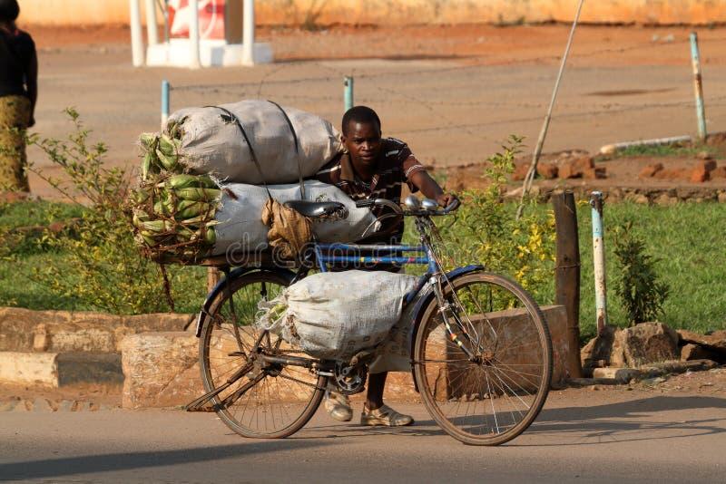 Transporte da bicicleta em Malawi imagem de stock royalty free