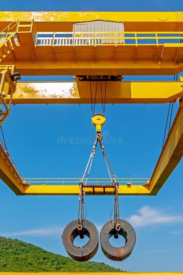 Transporte de aço da bobina foto de stock
