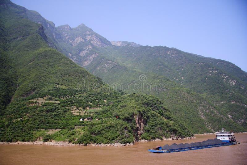 Transporte de carbón del río de Yangtze imagen de archivo libre de regalías