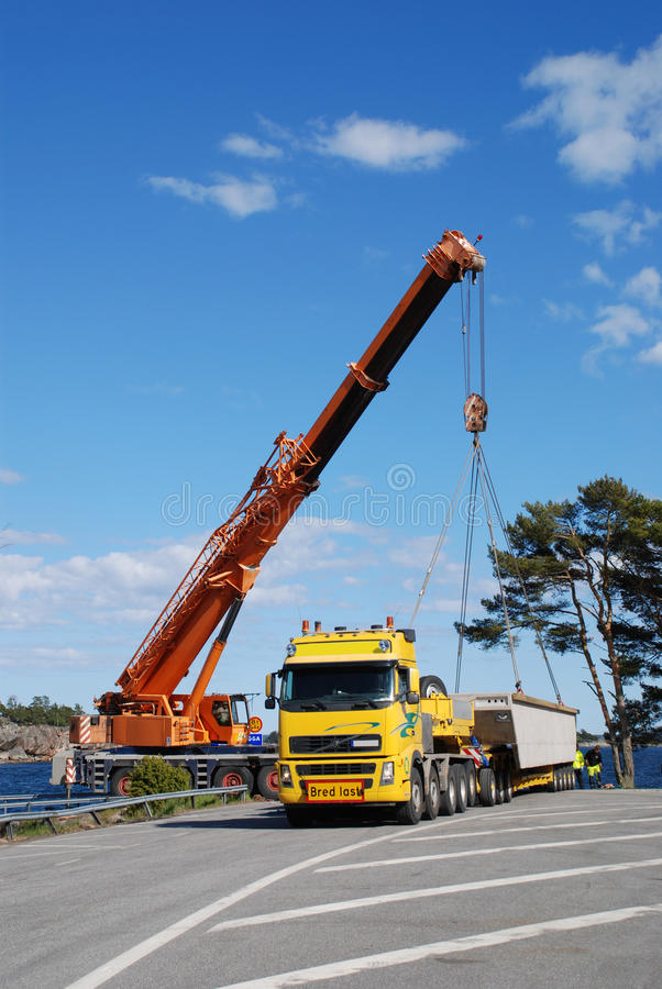 Download Transporte excepcional foto de stock. Imagem de ponte - 10067686