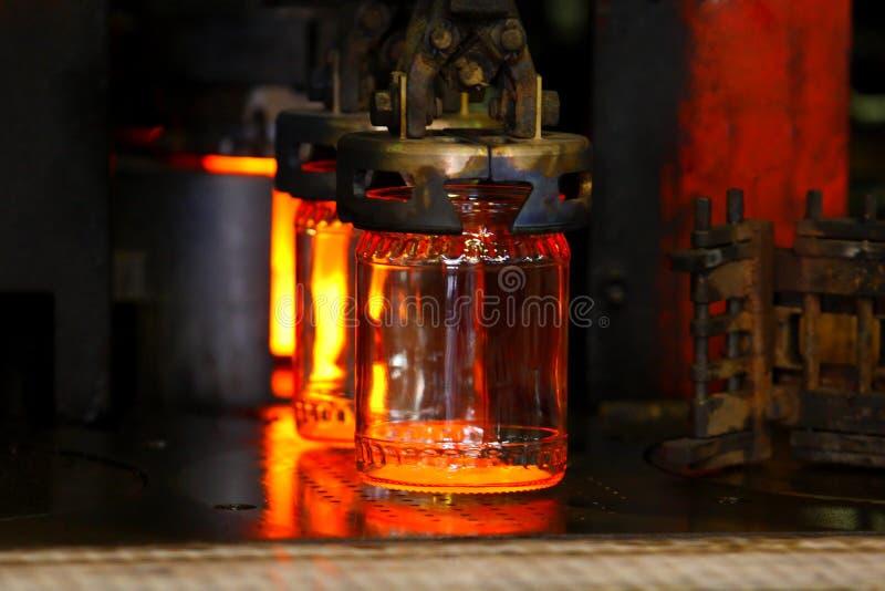 Transporte industrial Linha negócio de vidro da produção foto de stock