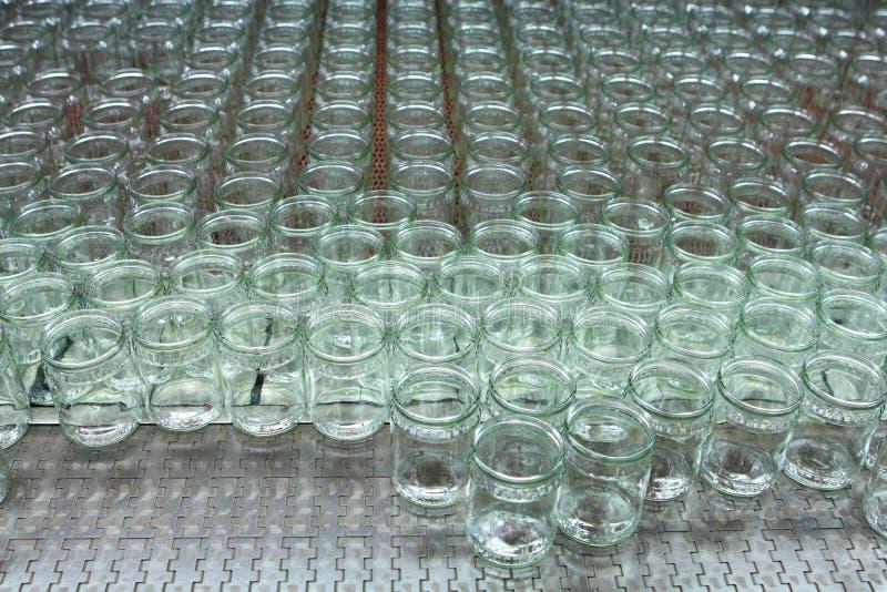 Transporte industrial Linha negócio de vidro da produção fotos de stock