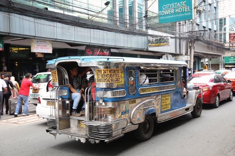 Transporte público de Jeepney foto de stock