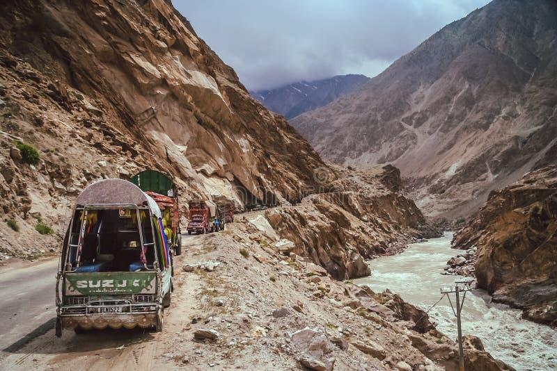 Transporte público de la montaña paquistaní fotografía de archivo libre de regalías