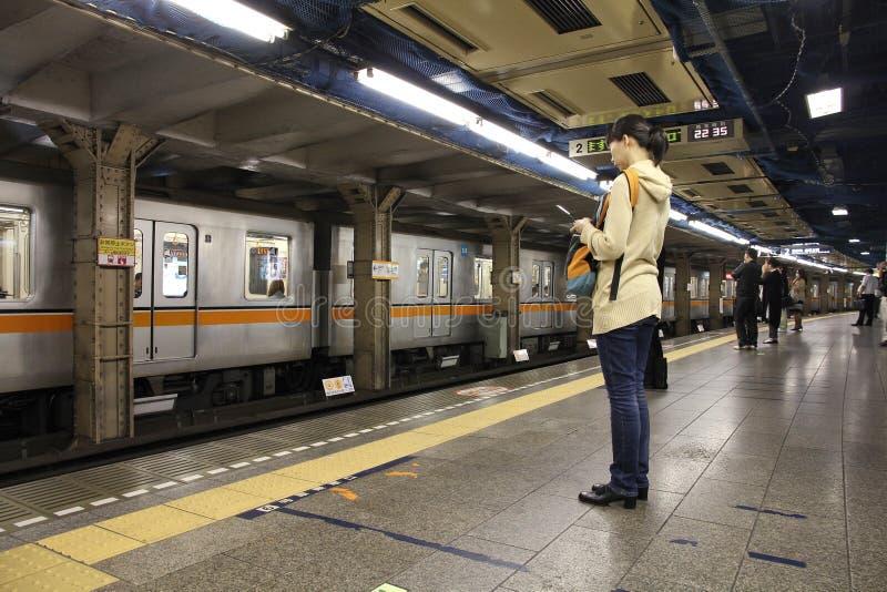 Transporte público en Tokio fotografía de archivo