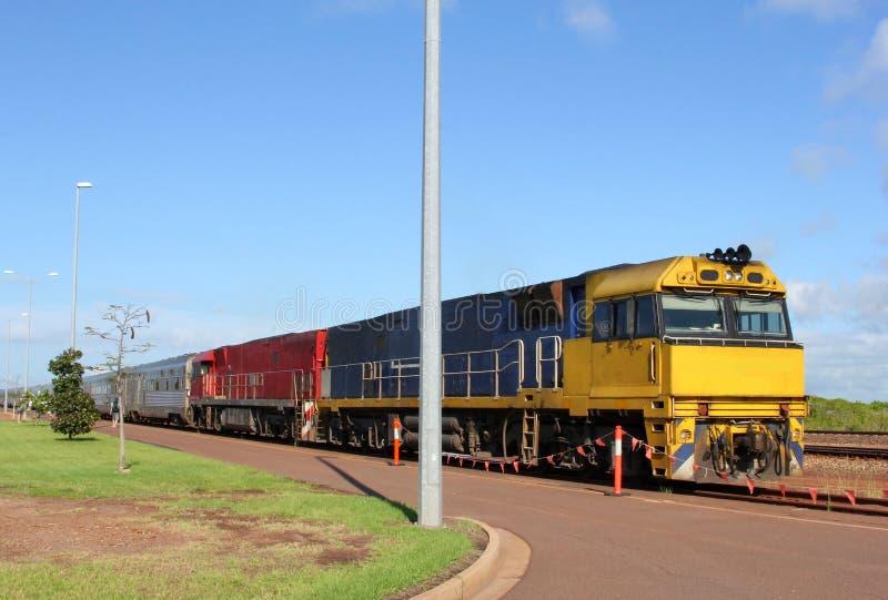 Transporte público en tren en australiano interior imagen de archivo libre de regalías