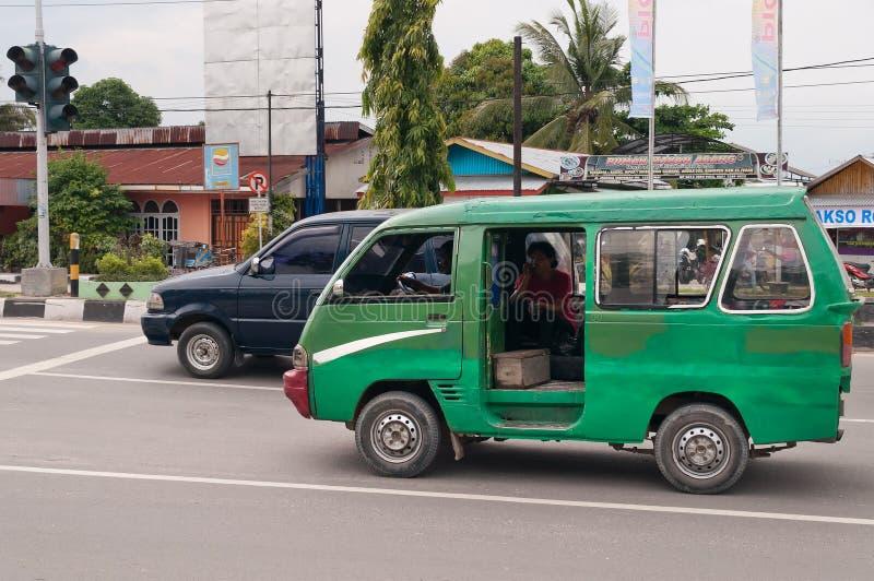 Transporte público na rua em Dumai indonésia imagem de stock royalty free
