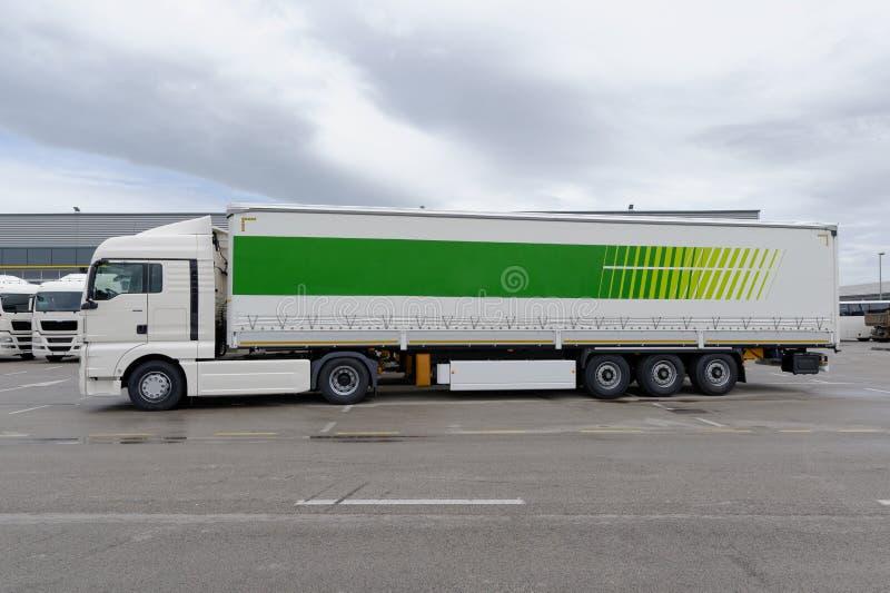 Transporte pronto para entregar a expedição a um cliente imagem de stock
