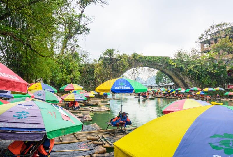 Transporter en bambou images libres de droits