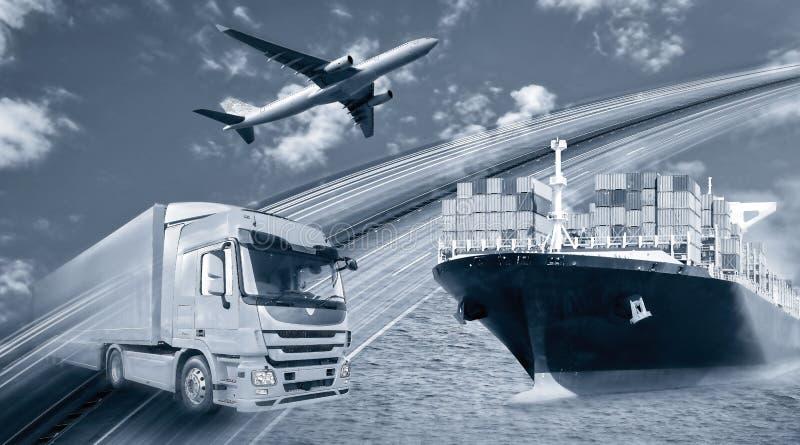 Transportera von Waren mit LKW, Schiff und Flugzeug arkivfoto