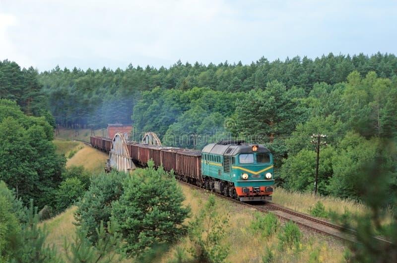 Transportez le train diesel photographie stock