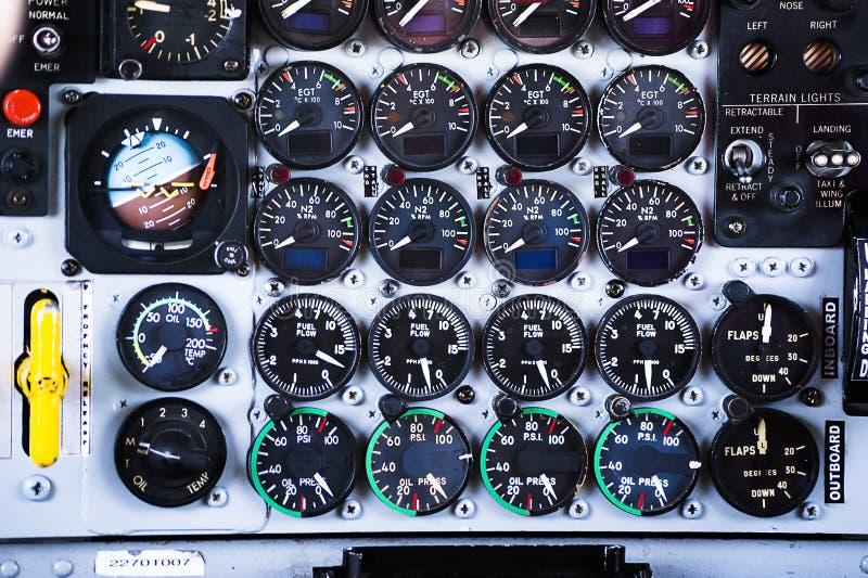 Transportflugzeugindikatoren lizenzfreie stockfotos