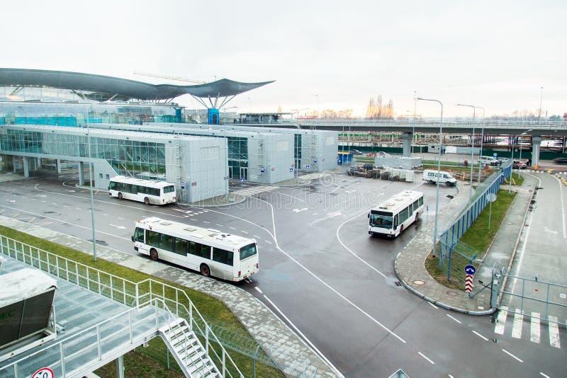 Transportieren Sie Transport am Flughafen von Borispol, Anschluss stockfotografie