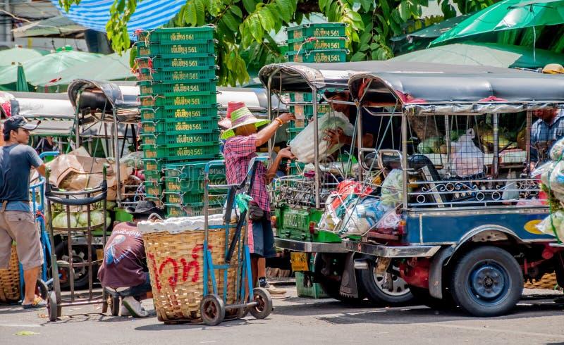 Transportiert vegetableat an Pak Khlong Talat-Markt lizenzfreies stockbild