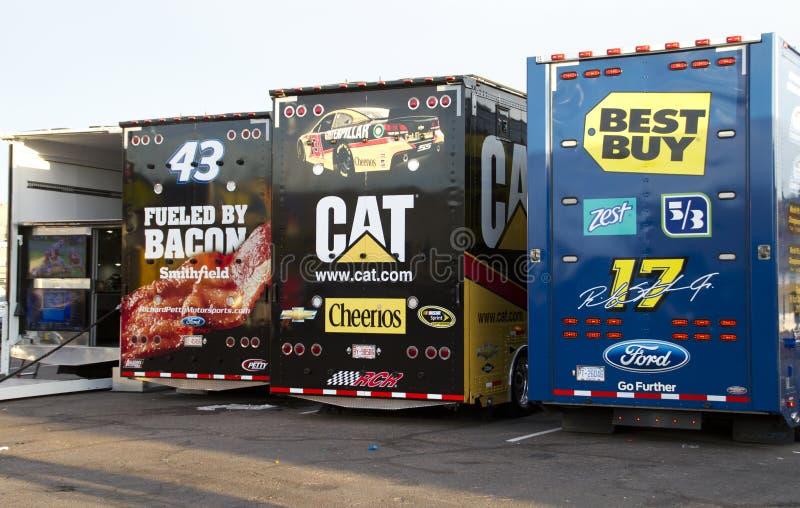 Transportistas del coche de NASCAR en la alcantarilla del International de Phoenix fotografía de archivo libre de regalías