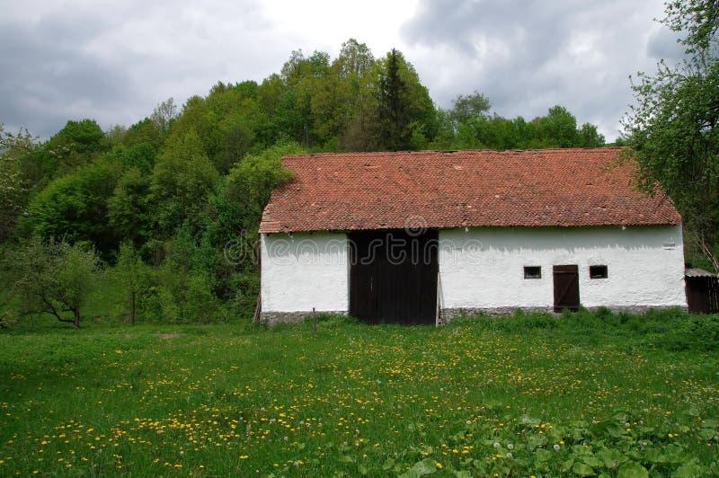 Transylvania lantgårdskjul royaltyfria bilder