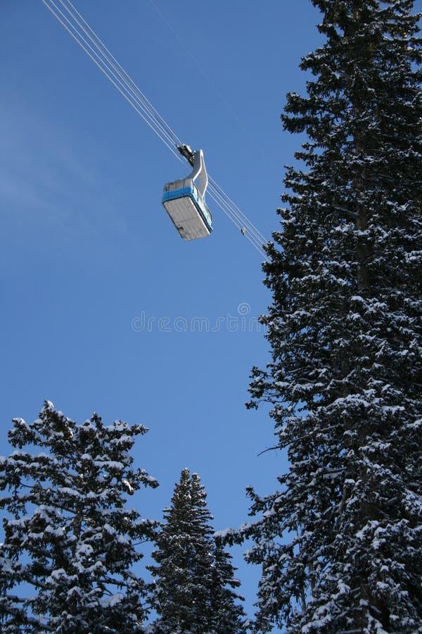 Tranvía #2 de la estación de esquí imagen de archivo