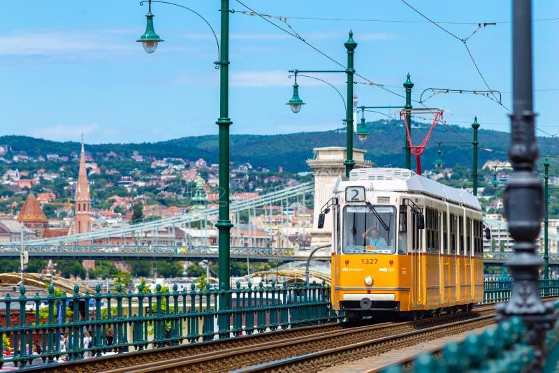 Tranvía amarilla en Budapest foto de archivo libre de regalías