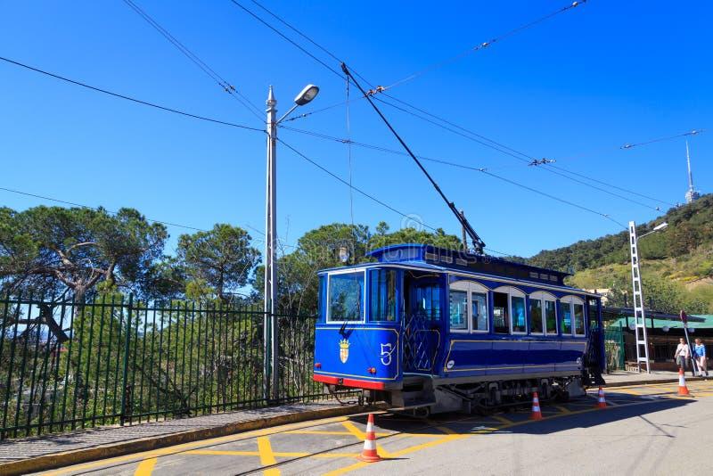 Tranvía azul en Barcelona fotografía de archivo