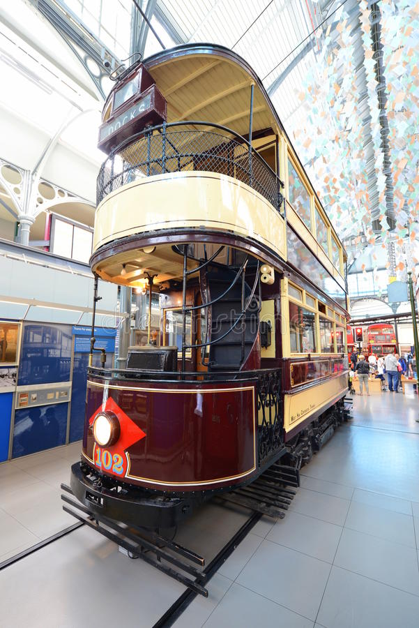 Tranvía británica del autobús de dos pisos del vintage - museo del transporte de Londres fotos de archivo libres de regalías