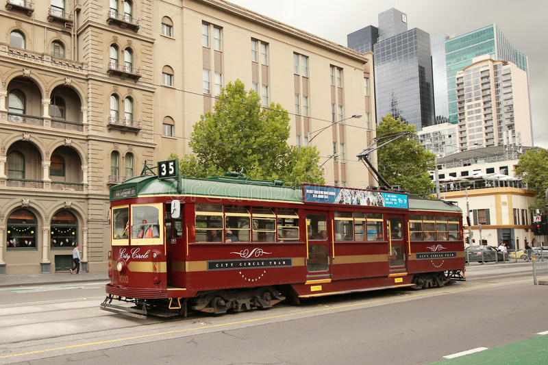 Tranvía de la clase del vintage W en servicio del círculo de la ciudad imágenes de archivo libres de regalías