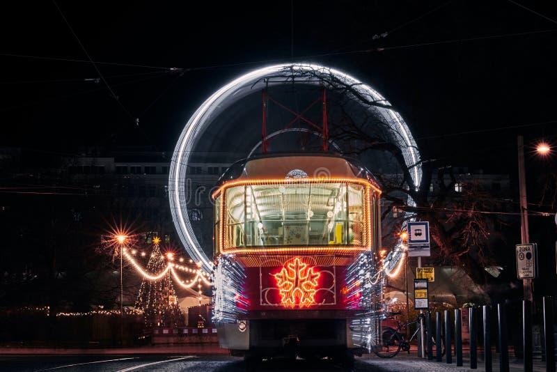Tranvía de Navidad y círculo en Brno 2019 imágenes de archivo libres de regalías