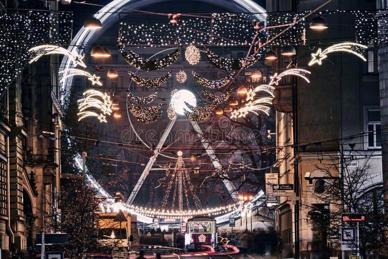 Tranvía de Navidad y círculo en Brno 2019 foto de archivo libre de regalías