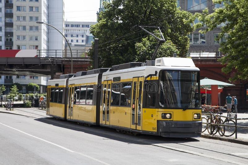 Tranvía en Berlín fotos de archivo