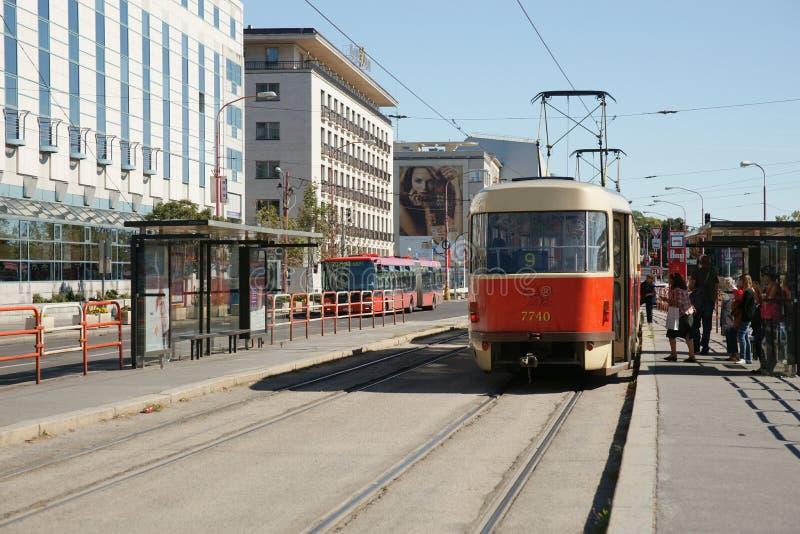 Tranvía en Bratislava, Eslovaquia imágenes de archivo libres de regalías