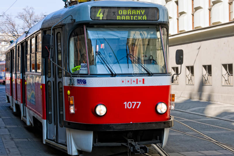 Tranvía en Brno imagen de archivo
