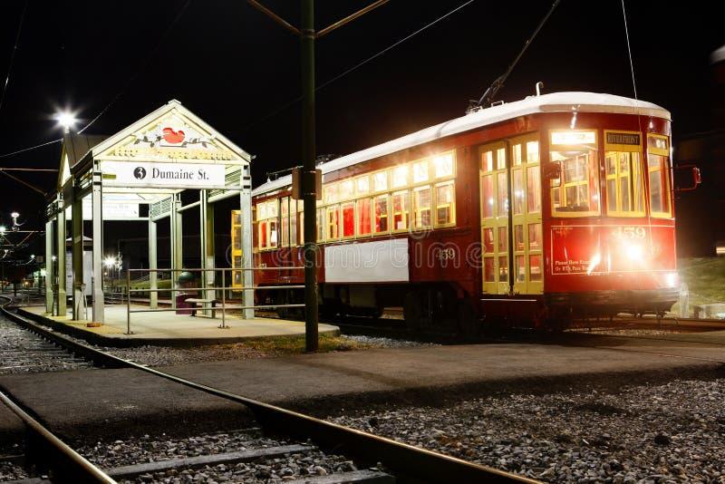 Tranvía en la noche en New Orleans imagen de archivo