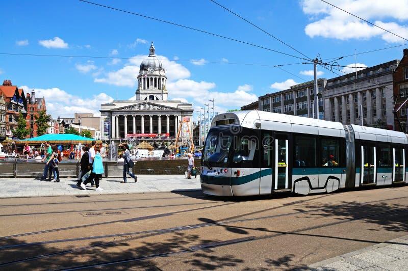 Tranvía por ayuntamiento, Nottingham foto de archivo libre de regalías