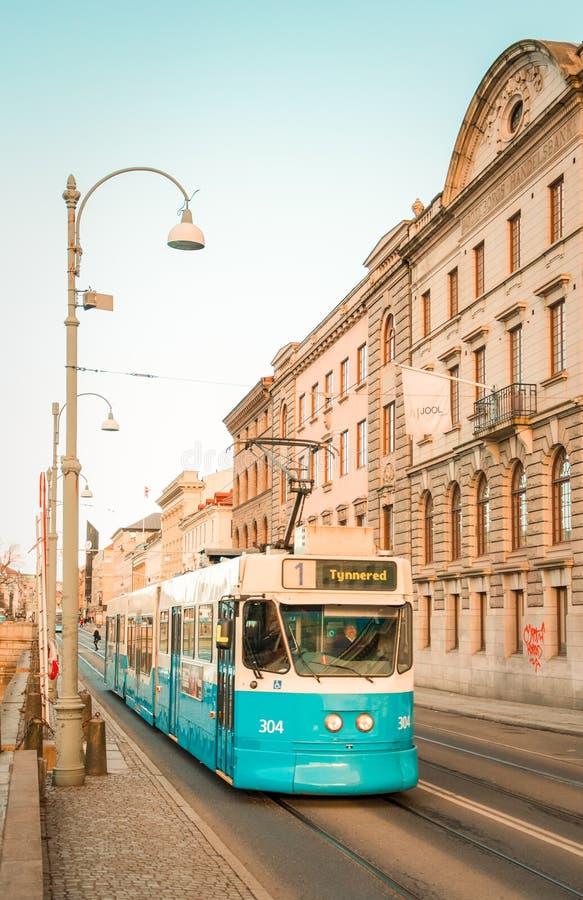 Tranvía sueca retra azul foto de archivo libre de regalías