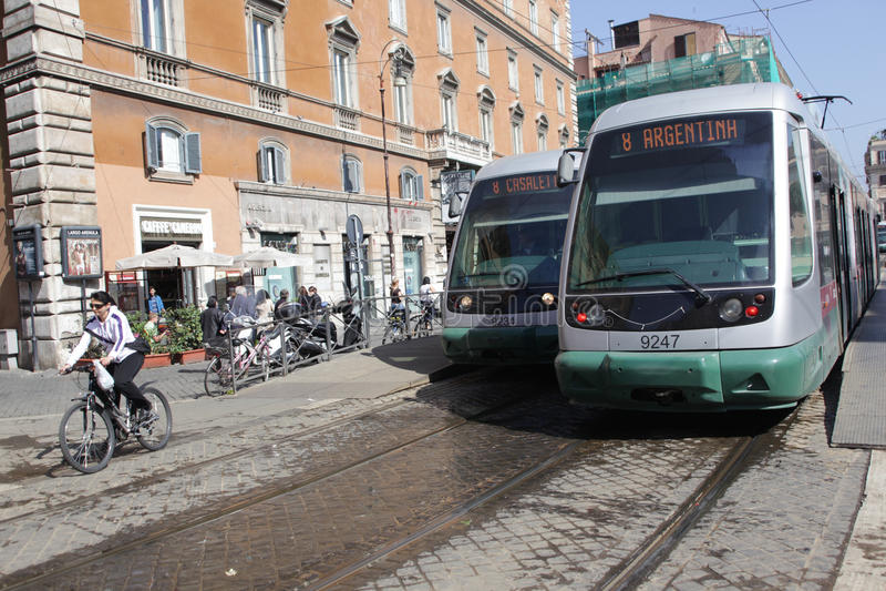 Tranvías en Roma fotos de archivo libres de regalías