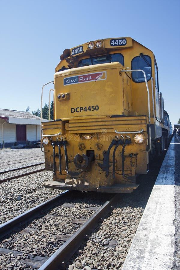 TranzAlpine expresa en la estación de Springfield imágenes de archivo libres de regalías