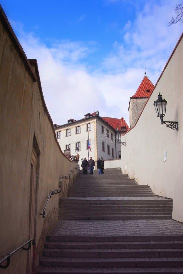 Trap achter Prag-kasteel royalty-vrije stock foto