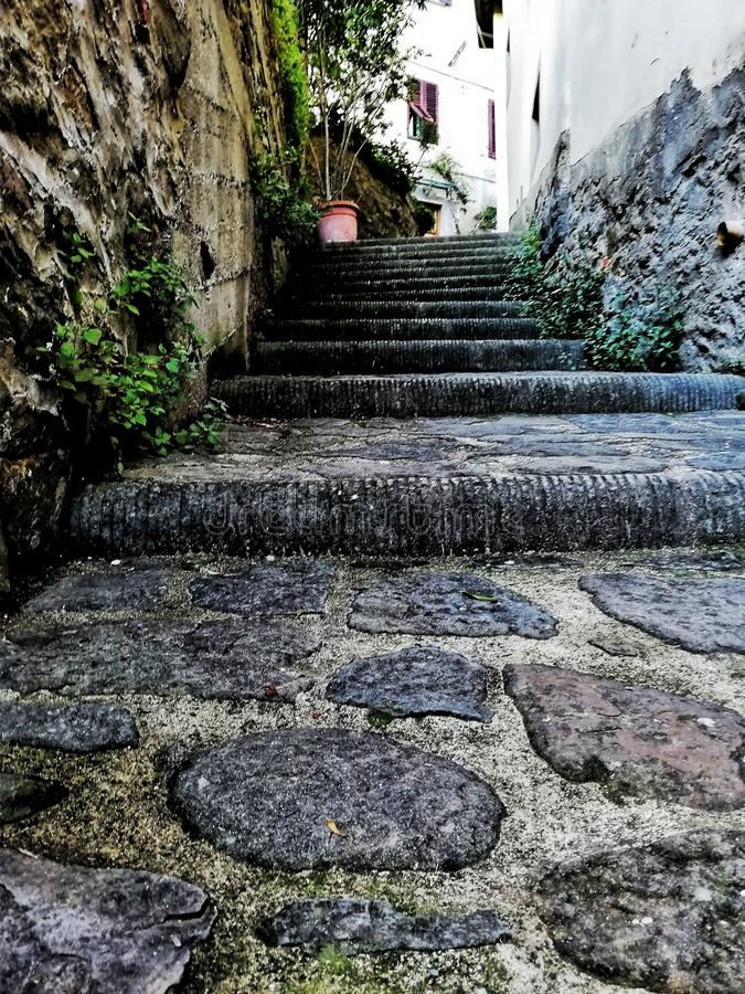 Trap in een oude stad stock afbeelding