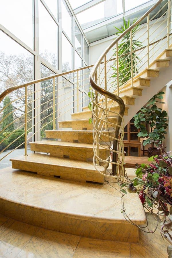 trappa för ingångshotellhuvudmarmor till arkivfoto
